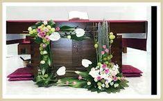 플라워경진대회에 대한 이미지 검색결과 Alter Flowers, Church Flowers, Table Flowers, Deco Floral, Arte Floral, Church Flower Arrangements, Floral Arrangements, Altar Decorations, Church Wedding