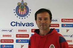 DIEGO MARTÍNEZ, NUEVO DIRECTOR DE FUERZAS BÁSICAS EN CHIVAS Diego Martínez Becerra es el nuevo coordinador general de Fuerzas Básicas del Rebaño Sagrado.