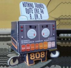 808 BOB Little Robot Paper Toy - by Jonny Chiba - == -  This cool Robot paper toy was created by British designer Jonny Chiba.