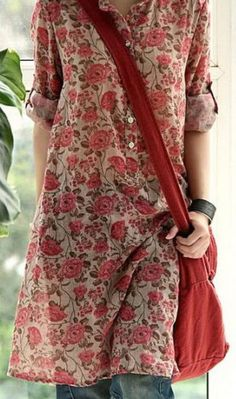 I love the loose but not too baggy look of this floral tunic dress.