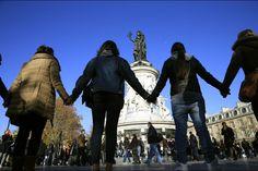 hommage attentats du 13 novembre à Paris