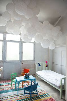 kids room//white- pops of colours..