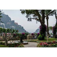 Giardini di Capri #capri #mare #sea #like4like #beach #toptags #blue #sun #ingersitalia #photooftheday #photography #photographer #instagram#instalike #giardino #flowers #flower