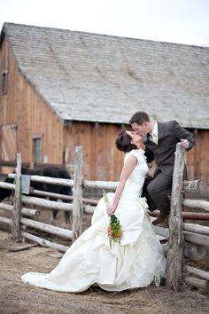If my friend Megan renews her vows, I have a feeling she would want a picture just like this!