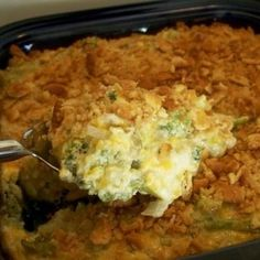 Creamy Broccoli Casserole// This recipe is the real deal! This is is exact recipe my mother used every Thanksgiving and it is soo good. The best! Sometimes I use cream of mushroom instead and plain ritz crackers for the topping.