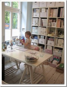 light and bright craft room .... seriously, look at the FLOORS (: