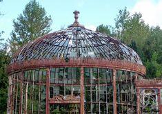 Old Victorian Conservatory | Gerard Knight | Flickr #conservatorygreenhouse
