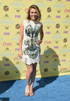 Rachel Platten in Marchesa at the 2015 Teen Choice Awards
