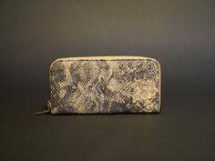Lisa Lisa, Clutch, Bags, Fashion, Accessories, Business Cards, Handbags, Leather, Moda