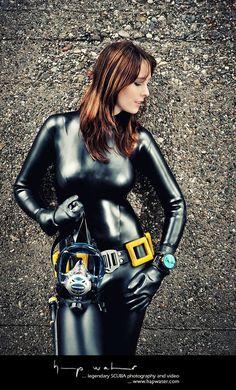 Gorgeous brunette in wetsuit hapwater photography Scuba Diving Equipment, Scuba Diving Gear, Tight Suit, Skin Tight, Scuba Wetsuit, Rubber Dress, Latex Babe, Scuba Girl, Swimming Diving