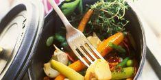 Cocotte de légumes-fanes au jambon Cuisine Diverse, Arabic Food, Grill Pan, Thai Red Curry, Ramen, Cooking, Tableware, Ethnic Recipes, Kitchen