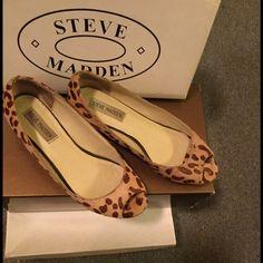 Women's Leopard Peep Toe Flats Perfect for any season Steven Madden Women's Peep Toe Flats... Barely Worn Original Box! Steve Madden Shoes Flats & Loafers