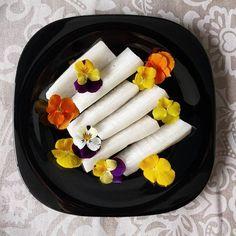 Fresh Raw Daikon 😺🥗 Always remember to eat veggies Daikon fresco crudo😺🥗 Recuerda siempre comer verduras