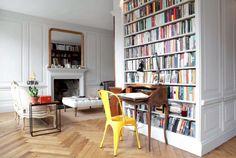 This chic Edinburgh apartment. | 18 Air BnBs For Book Lovers