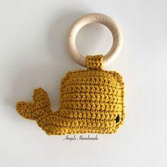 Rammelaar Walvis Crochet Ring Patterns, Crochet Rings, Amigurumi Patterns, Diy Crochet Toys, Crochet Projects, Baby Girl Crochet, Crochet Bear, Newborn Toys, How To Make Toys
