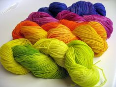 Yarn dyeing tutorial--microwave and gladware