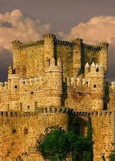 Guadamur castle, Toledo, Spain. Побудуй свій замок з конструктора http://eko-igry.com.ua/products/category/1658731