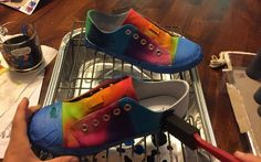 Looking for a fun craft to do on a Rainy Day? Wanting to give new life to an old pair of white sneakers? Then you need to try Tie-Dying your shoes today. Let me start off my saying, I love anything that is Tie-Dyed and I think I passed that gene onto my youngest son. When I said to him that we should Tie-Dye sneakers, he just about lost it he was so excited. I purchased a pair of white canvas sneakers at Target, but if you have an old pair of white sneakers that you want to re-purpose that… Diy Tie Dye Shoes, How To Dye Shoes, White Sneakers, Sneakers Nike, Fun Crafts To Do, Diy Crafts, Tap Shoes, Dance Shoes, Painted Shoes
