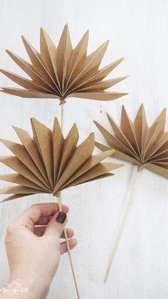 Paper Flowers Craft, Flower Crafts, Diy Flowers, Diy Crafts For Home Decor, Diy Crafts Hacks, Deco Rose, Boho Diy, Diy Paper, Boho Dekor