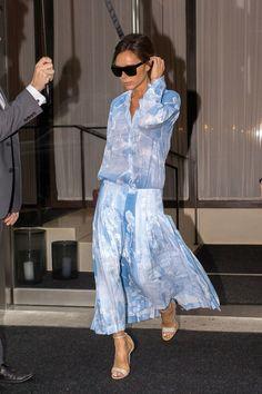 Lezioni di stile! I 10 look più belli di Victoria Beckham nel 2017 ci guideranno verso la retta via dello stile (anche) nel 2018