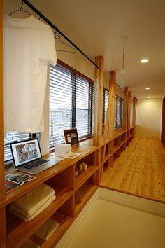 PHOTO/ドカテイ・ – 名古屋市の住宅設計事務所 フィールド平野一級建築士事務所 Shoe Storage Room, Smart Storage, Diy Interior, My Dream Home, Design Projects, Home Office, Minimalist, Shelves, Sun Room