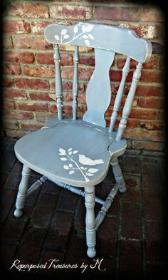 Remarkable Tips For An Incredible Shabby Chic Christmas Improving your home can be done for a number of reasons. Cottage Shabby Chic, Shabby Chic Chairs, Rustic Chair, Shabby Chic Furniture, Shabby Chic Decor, Refurbished Furniture, Repurposed Furniture, Furniture Makeover, Painted Furniture