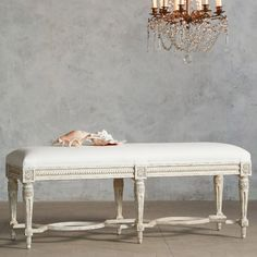 Eloquence Constance White Linen Bench @Layla Grayce