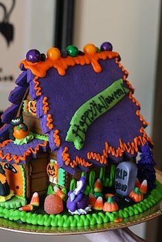 Trick or Treat! View photos of Halloween Gingerbread Houses from The Solvang Bakery. We ship from our Solvang California bakery anywhere in the US. Halloween Gingerbread House, Dulceros Halloween, Gingerbread House Designs, Whimsical Halloween, Halloween Cookies, Christmas Gingerbread, Holidays Halloween, Halloween Treats, Gingerbread Houses
