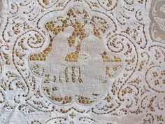 """Museum Quality 104""""D Round Mixed Lace Figural Tablecloth Bobbin Filet Point de P 
