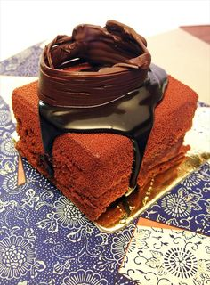 Adriano Zumbo Patissier Balmain Classic Australian Restaurant: Chocolate dacquoise and sabayon with salted caramel debris, choc caramel cremeaux and caramel mousse