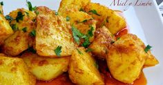 patatas al ajillo Corn Recipes, Vegetable Recipes, Patatas Guisadas, Nicaraguan Food, Fancy Dishes, Spanish Dishes, Cooking Recipes, Healthy Recipes, International Recipes