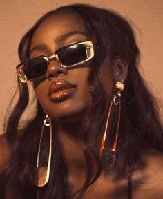Brown Skin Girls, Brown Girl, Black Girl Aesthetic, Brown Aesthetic, Aesthetic Quote, Pretty Black Girls, Beautiful Black Women, Sunglasses For Your Face Shape, Photographie Portrait Inspiration