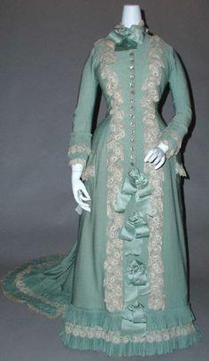 tea gown ca. 1890 via The Costume Institute of The Metropolitan Museum of Art