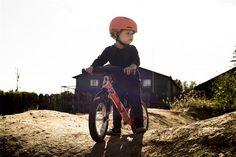 BMX trails and skate parks helmets selection. Biking certified and dual-certified helmets. Giro, Lazer Bern, Kiddimoto, Bell, Melon, Nutcase.