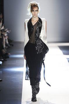 Ann Demeulemeester collection printemps-été 2015 #mode #fashion