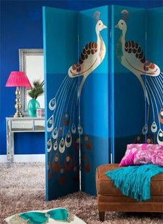 Need a spectacular decor accessory to add a special touch to your home? This article will show you how to create a special privacy screen, lampshade, mirror, and bookends. Handmade lamps, screens and wall art - Better Homes and Gardens - Peacock Room, Peacock Decor, Peacock Theme, Peacock Blue, Peacock Feathers, Decorating Small Spaces, Decorating Tips, Diy Room Divider, Room Dividers