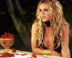 Britney Spears 2002, Britney Spears Music Videos, Britney Spears Pictures, Boy Music, Music Icon, Mississippi, Louisiana, 2000s Pop, Britney Jean