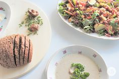 FOOD & FRIENDSHIP | with mushroom soup and salad with apple, brie and nuts.
