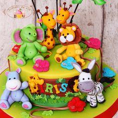 Torturi de vis: Tort Prietenii din jungla pentru Iris Safari Cakes, Jungle Cake, Yum Food, Baby Born, Animal Party, Zoo Animals, Shower Cakes, 1 Year, Princess Peach