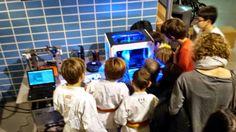 14-11-25 Los más peques curioseando. Evento: Ven, mira, vuela drones e imprime en 3D# erw2014 #epsarea