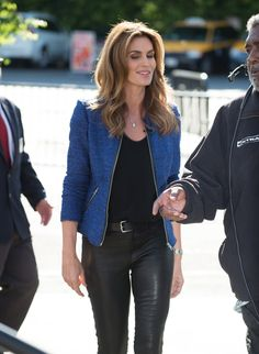 Cindy Crawford on the set of 'Extra' in LA 11/4/15