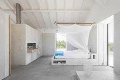 Concrete bed base