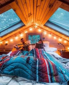 Skylight Ideas thatll Brighten Your Heart (Best 10 Designs) 2019 Love the skylights! The post Skylight Ideas thatll Brighten Your Heart (Best 10 Designs) 2019 appeared first on House ideas. Dream Rooms, Dream Bedroom, Tiny House Bedroom, Tiny Master Bedroom, Cabin Bedrooms, Attic Bedrooms, A Frame House, Cozy Cabin, Cozy Cottage