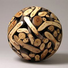 sphere is the future — Emory Oak Sphere Roger Asay via Linh Tran, thanx Small Wood Projects, Wood Turning Projects, Wooden Art, Wooden Bowls, Diy Resin Crafts, Wood Crafts, Fractal, Lathe Projects, Wood Lathe