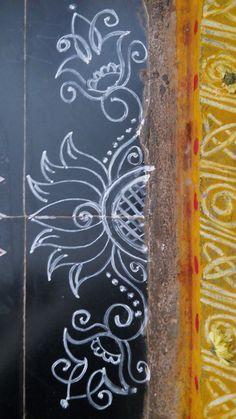 SreeVeera's border rangoli in 2019 Rangoli Side Designs, Simple Rangoli Border Designs, Free Hand Rangoli Design, Rangoli Designs Latest, Boarder Designs, Rangoli Borders, Small Rangoli Design, Rangoli Patterns, Rangoli Designs With Dots