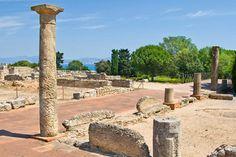 Empuries, en ruin som både er romersk OG gresk. Noe for deg, pappa? Visstnok en av de viktigste arkeologiske områdene i Spania. Og med havet like over veien og Pyrineene i bakgrunnen, så er det kanskje også en av de vakreste.