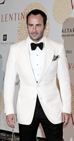 It's white tie done right by the timeless Tom Ford. Be sure to double check - Tuxedo - Ideas of Tuxedo - It's white tie done right by the timeless Tom Ford. Be sure to double check WELL IN ADVANCE when unsure of the dress code for formal occasions. White Wedding Suits For Men, White Tuxedo Wedding, White Suits, Ivory Tuxedo, Groom Tuxedo, Tuxedo Suit, Tom Ford Tuxedo, Tom Ford Suit, Tom Ford Men