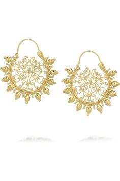 These flowery filigree earrings by Isharya are so goregeous. Filigree Earrings, Gold Filigree, Gold Plated Earrings, Ring Earrings, Gold Jewellery Design, Gold Jewelry, Flower Jewelry, Isharya, Jewelry Trends