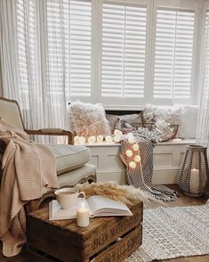 Diy wood seating with soft lighting pillows and throws Living Room Windows, Living Room Seating, Boho Living Room, Home And Living, Window Ledge Decor, Window Benches, Window Seats, Fireplace Seating, Small Fireplace