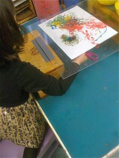 Teacher Tom: Magnet Painting- great way to set up for individual use Creative Curriculum, Creative Activities, Science Activities, Science Experiments, Preschool Painting, Preschool Art, Painting Teacher, Teacher Toms, Classe D'art